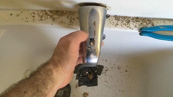 Tub spout